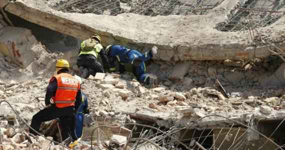 México bajo escombros.