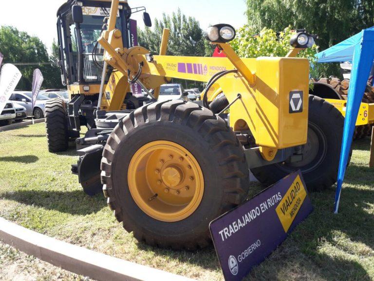 Vialidad Provincial presentó nueva maquinaria para el Valle de Uco