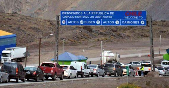 Rumbo a Chile. A lo largo de la ruta los turistas pasarán por puestos sanitarios fijos.