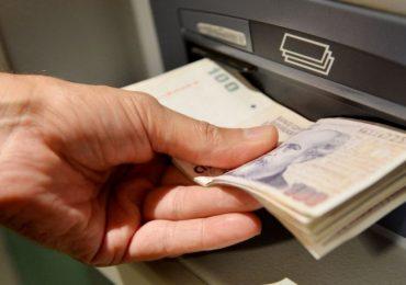 Funcionarios y legisladores no cobrarán el bono