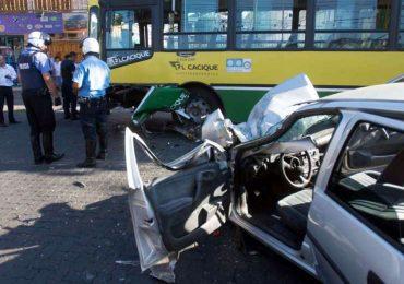 Ayer, dos personas resultaron heridas en un choque en Adolfo Calle, de Dorrego.