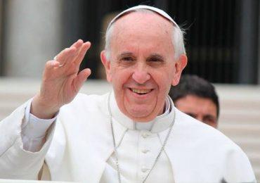 Papa Francisco llega a Chile