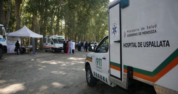 Pulmón de estacionamiento y puesto sanitario instalado en Uspallata.