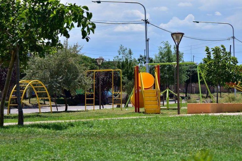 Tupungato Continua mejorando espacios verdes