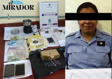 Policia tupungatina detenida por drogas