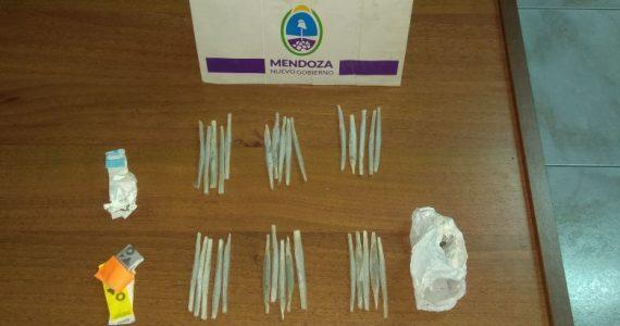 Un joven de 19 años fue detenido en Tunuyán con 30 cigarrillos de marihuana