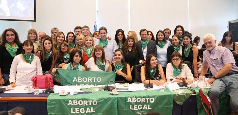 Presentan el proyecto sobre el aborto y se trata en 2 semanas