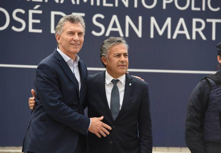 Llega Macri a Mendoza en clima de crisis y reclamos