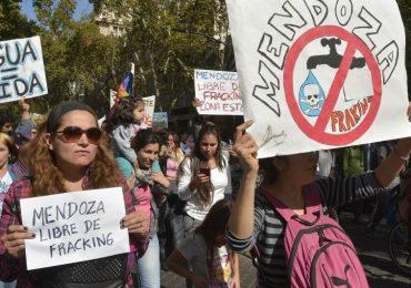 Debate por el fracking: primer cara a cara entre oposición y Gobierno en la Legislatura