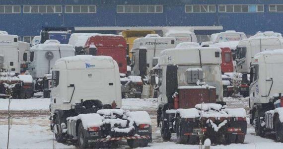 Ya son más de 200 los camiones varados en alta montaña