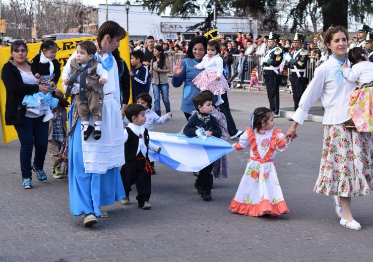 Desfile Aniv. Tgto