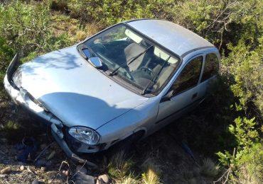 El accidente se produjo alrededor de las 3 de la madrugada de ayer. El conductor afortunadamente resultó ileso.
