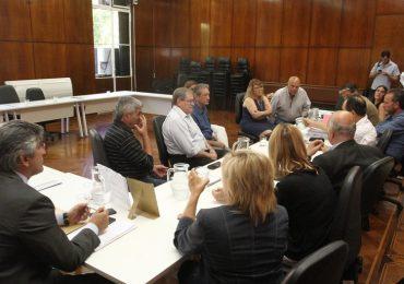 Debate de comisiones por la mineria