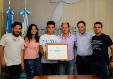 Lautaro Silva fue reconocido por el Intendentede Tupungato por su actuación en uno de los festivales más importantes del Malambo en Argentina.