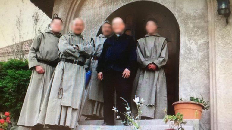 El Monasterio del Cristo Orante se fundó en 1995 en Tupungato.