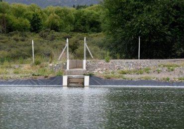Se trata de la impermeabilización y presurización de los sistemas de riego Arroyo Villegas-Canal La Pampa. Inversión total de $85 millones.