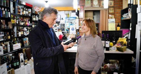 Macri recorrió Malargüe y compró un vino de Tupungato